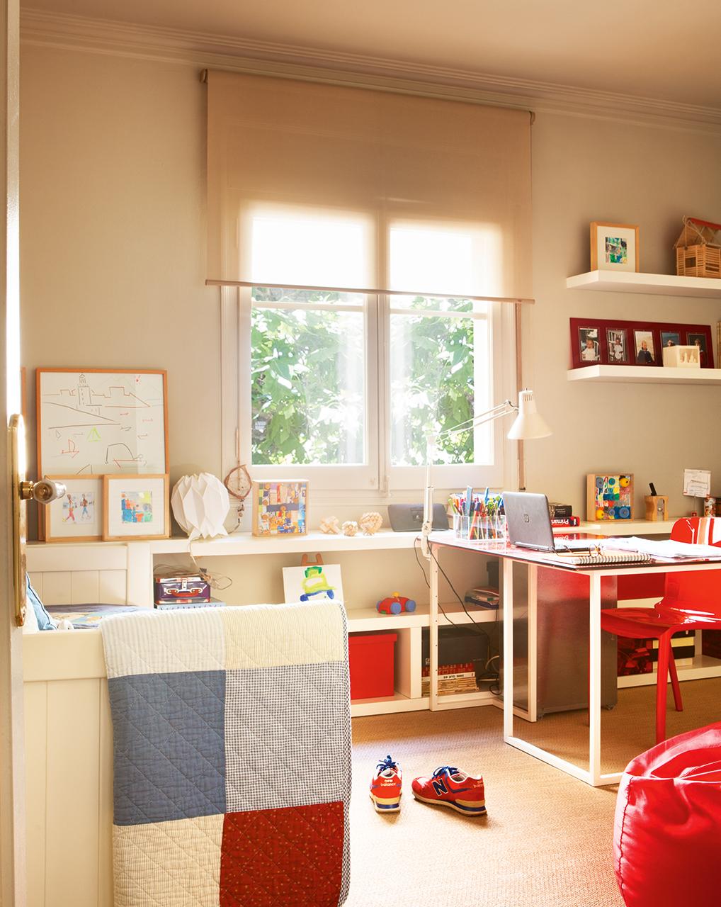 Entramos en casa de nuestra compa era directora de for Mobiliario dormitorio infantil