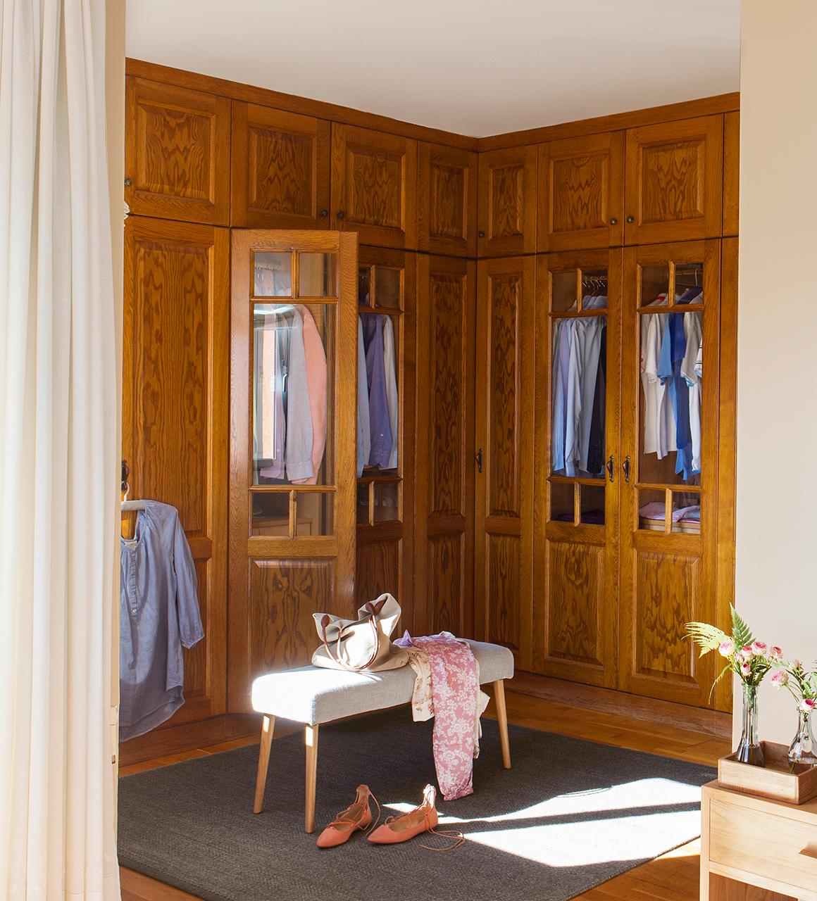 Vestir un armario empotrado son los armarios que menos espacio ocupan y en los que ms elementos - Vestir armario empotrado ...
