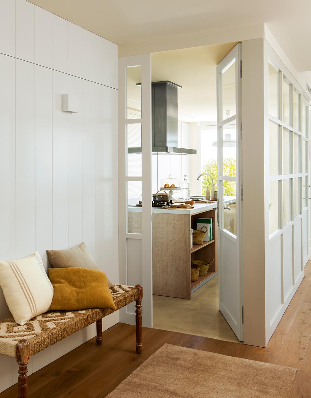 Reformar dos pisos antiguos y convertirlos en uno moderno for Vistas de cocinas