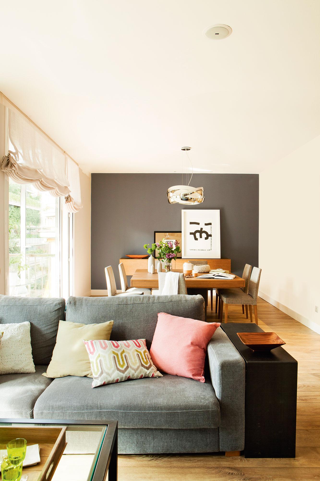 Pintar tu casa claves para acertar al elegir el color y - Como adornar una pared ...