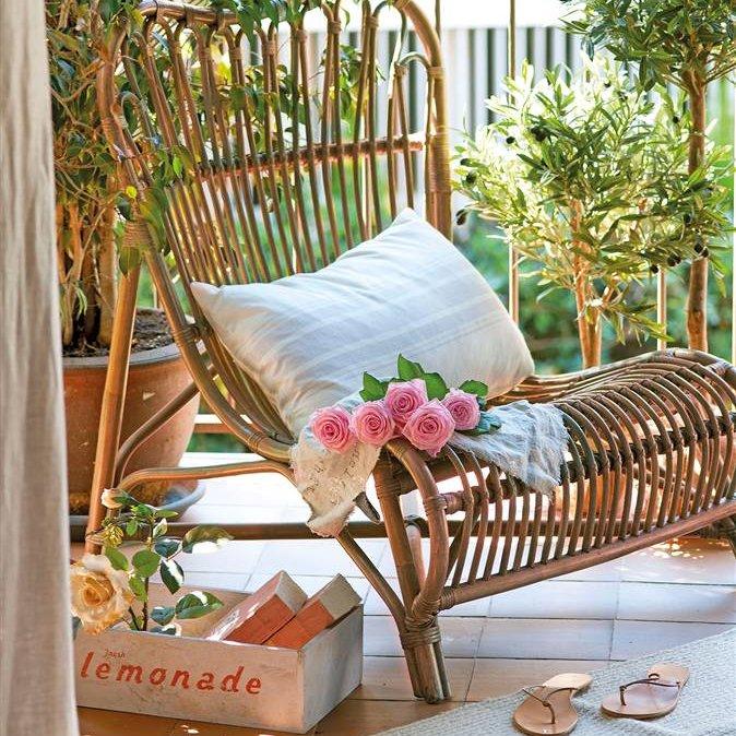 Ideas para decorar y sacar partido a tu terraza o balc n - Butacas de mimbre ...