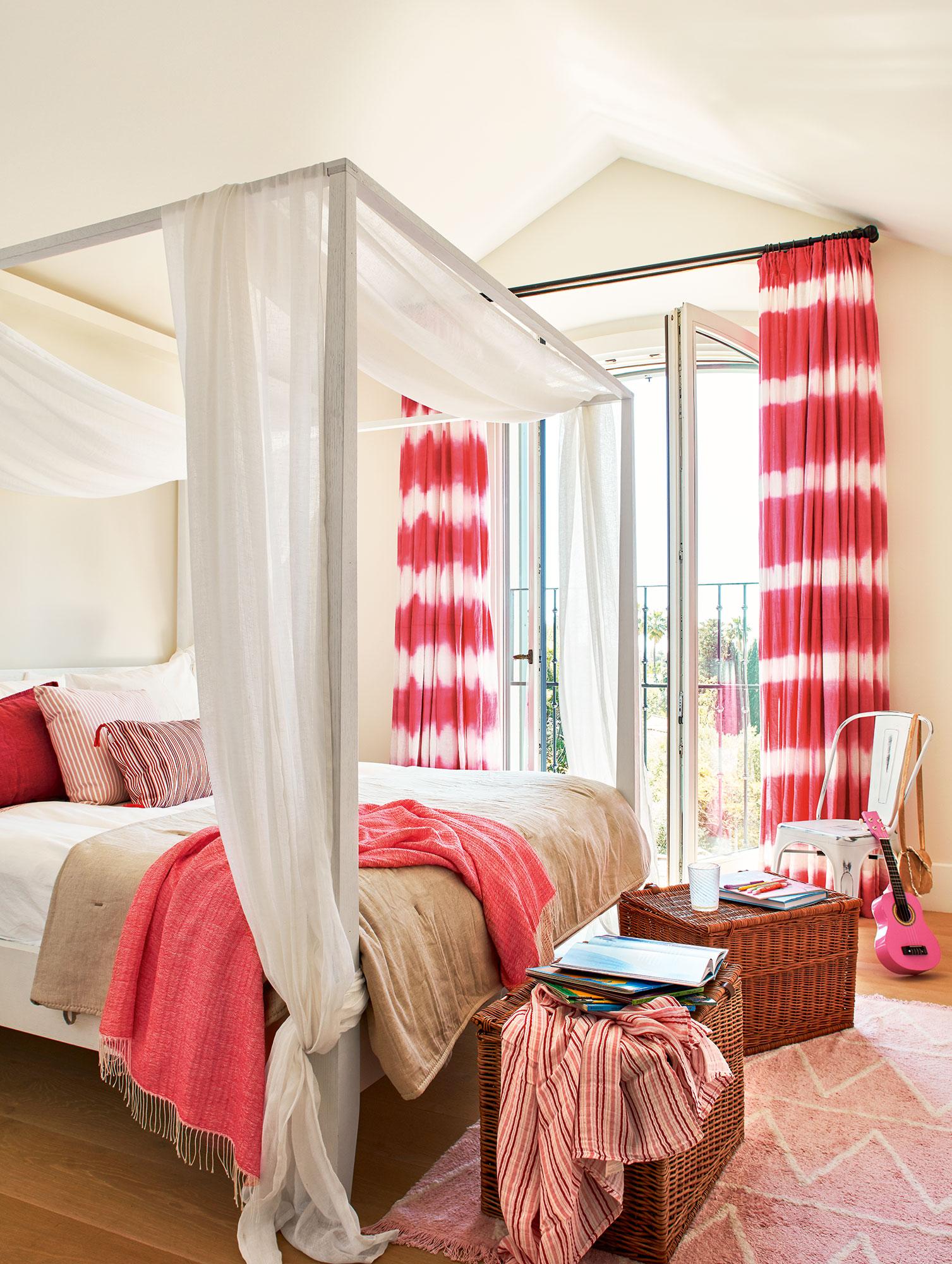 Una casa r stica de estilo mediterr neo en sotogrande - Dosel cama nina ...