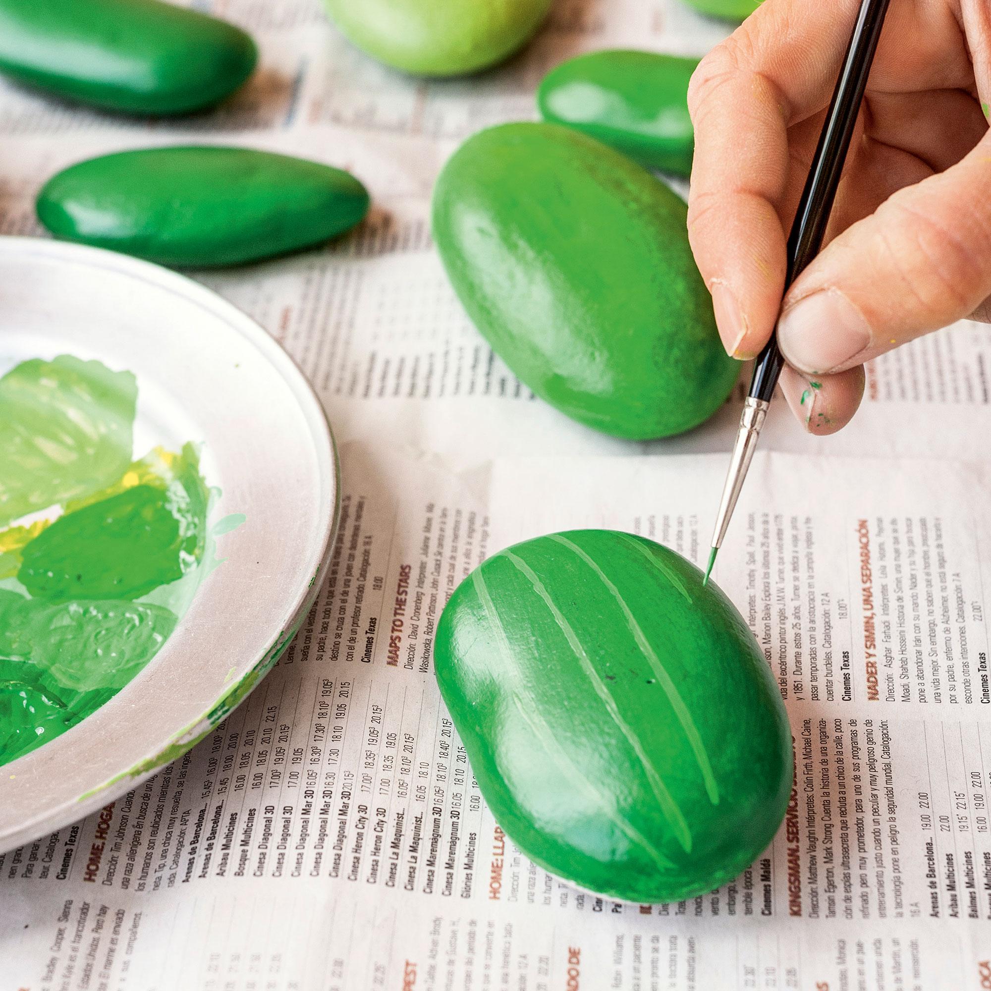 Cactus s per resistentes hechos con piedras for Pintura para pintar piedra natural