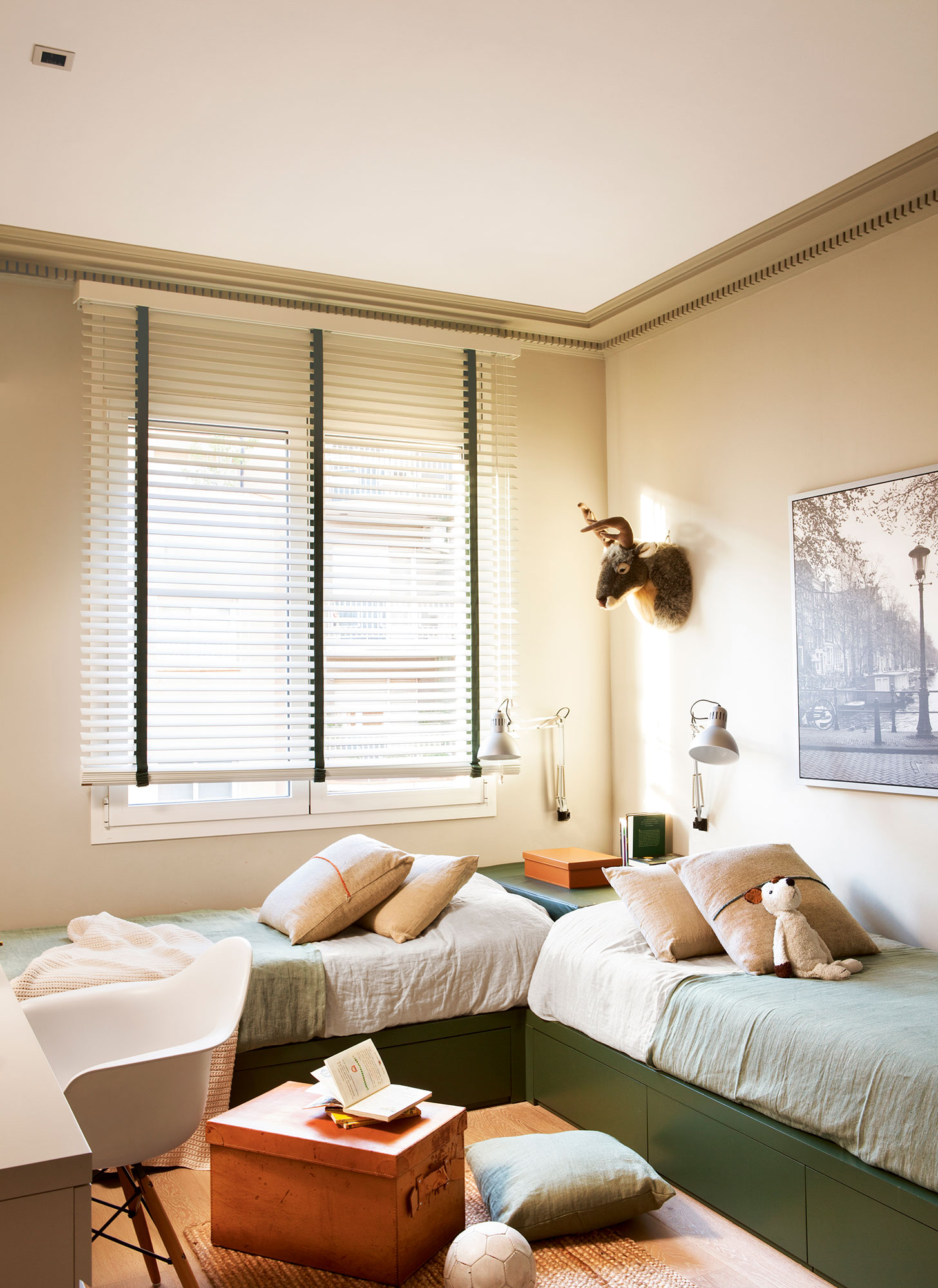 Espacios compartidos 6 buenas soluciones para exprimir - Habitacion pequena dos camas ...