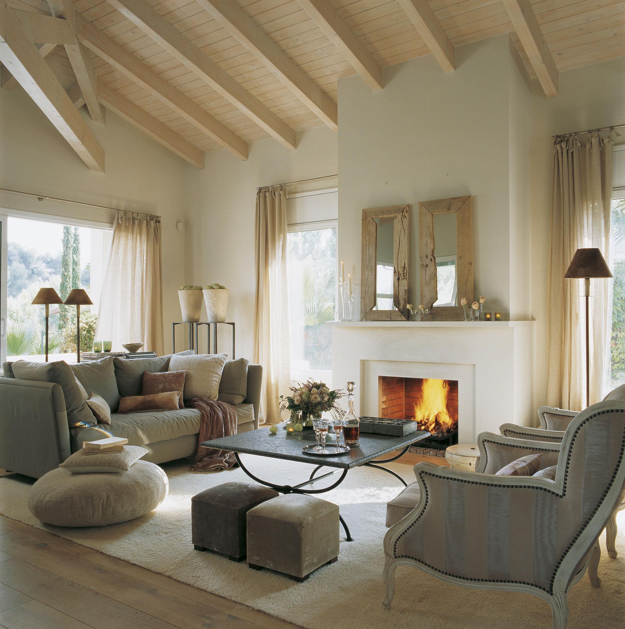 Los mejores 50 salones de el mueble for Salones con chimenea