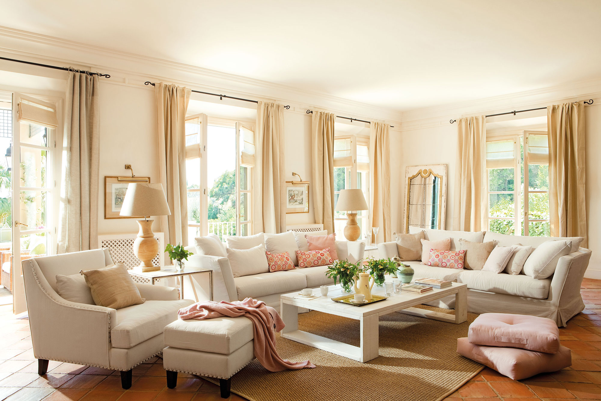 Salones en blanco y madera free saln nrdico en madera de - Muebles de salon en blanco roto ...