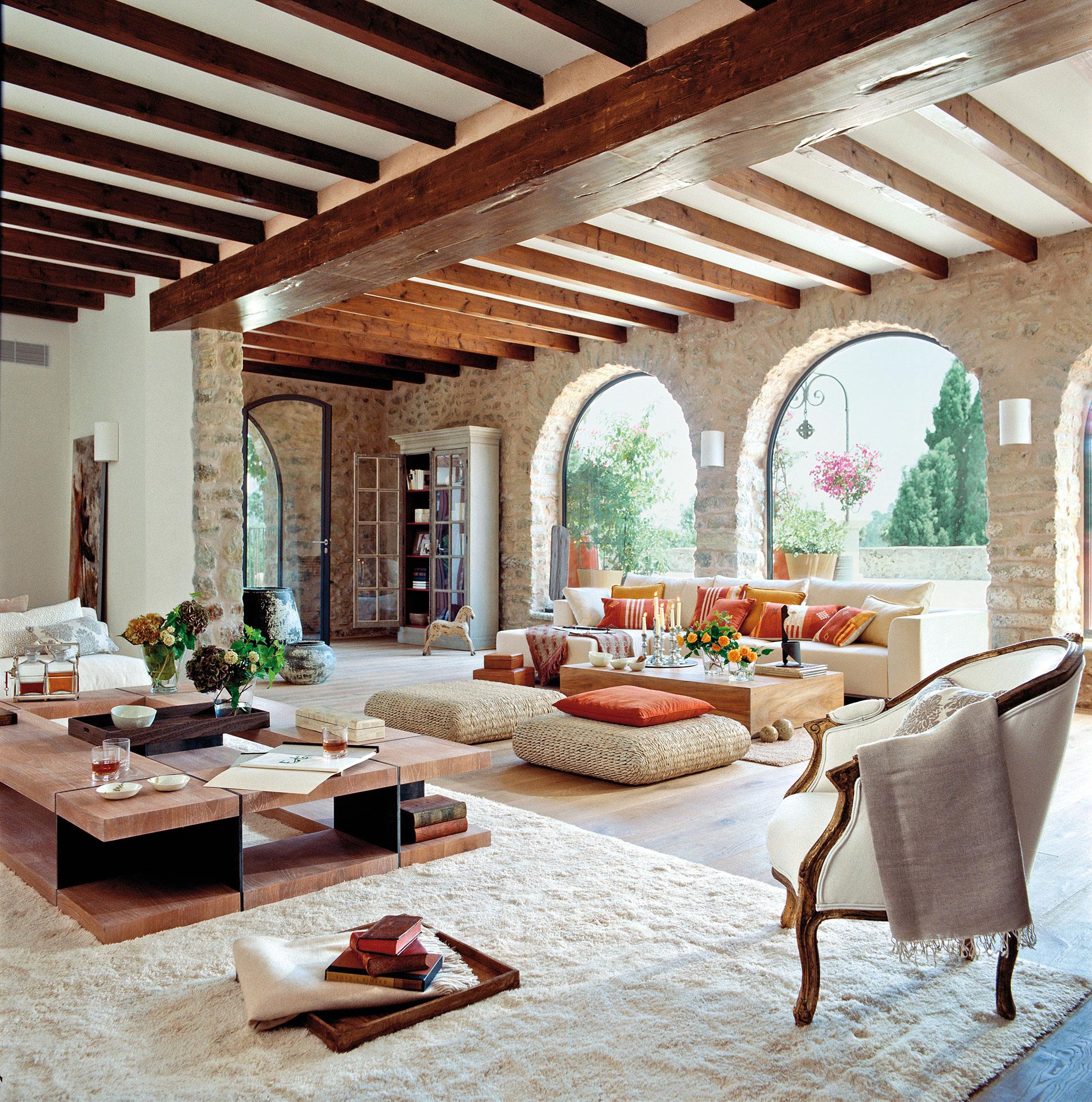 Los mejores 50 salones de el mueble for Cortinas salon rustico