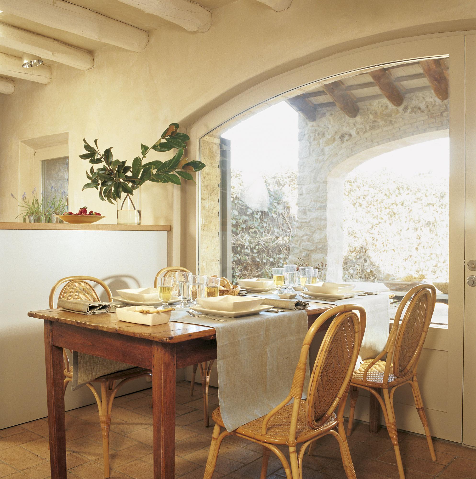 Sillas de mimbre para comedor cubo comedor mesa y silla for Sofa mimbre terraza