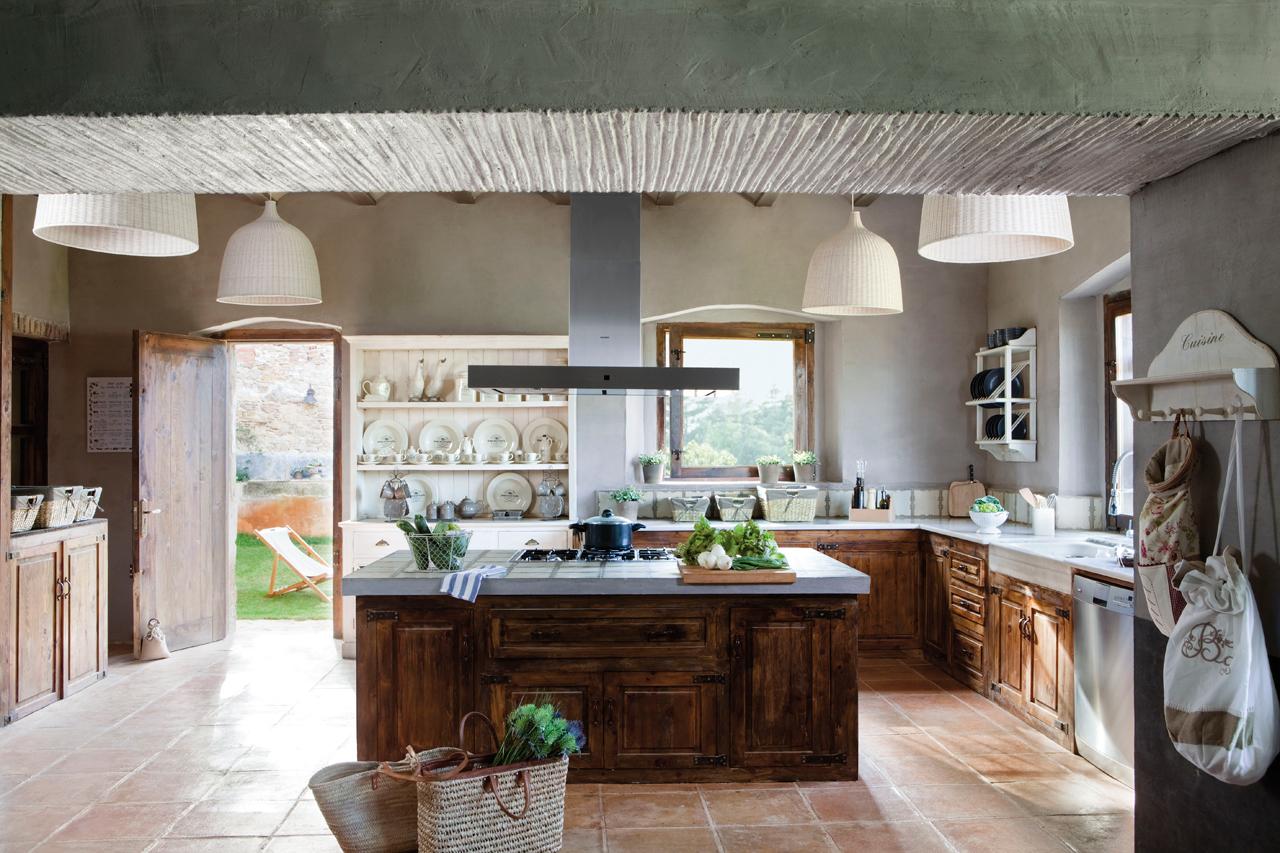 Las 9 cocinas de madera m s c lidas for Cocinas con isla