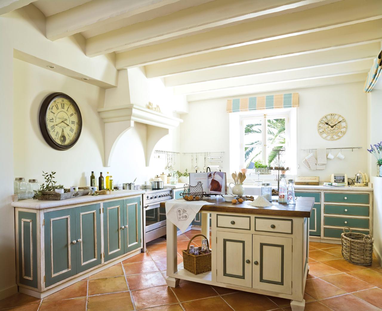 Las 9 cocinas de madera m s c lidas for Muebles cocina chica