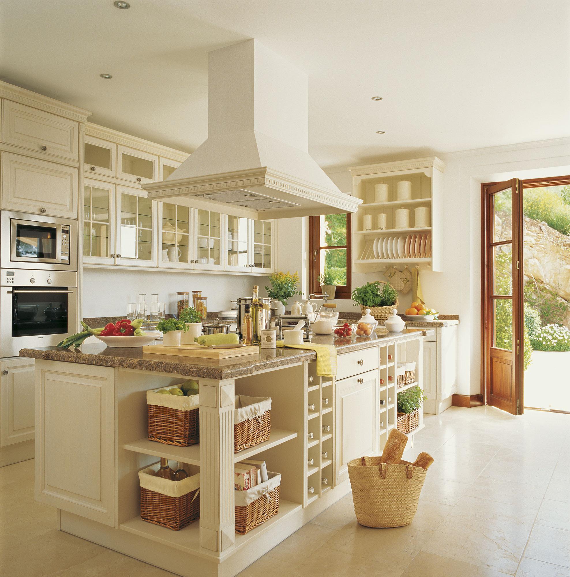 Cocinas blancas - Cocinas con azulejos beige ...