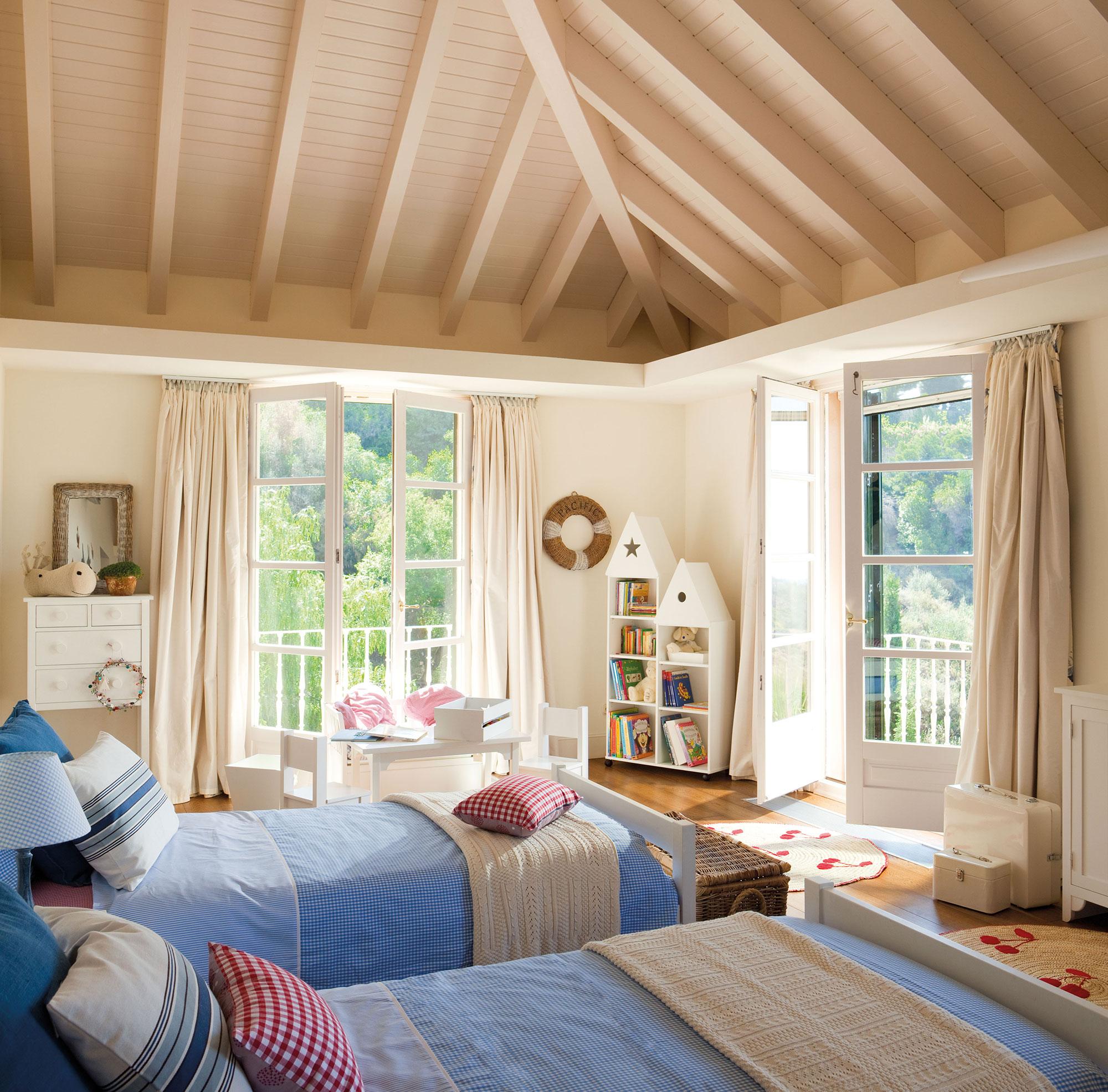 30 habitaciones para m s de dos ni os con buenas ideas - Habitacion pequena dos camas ...
