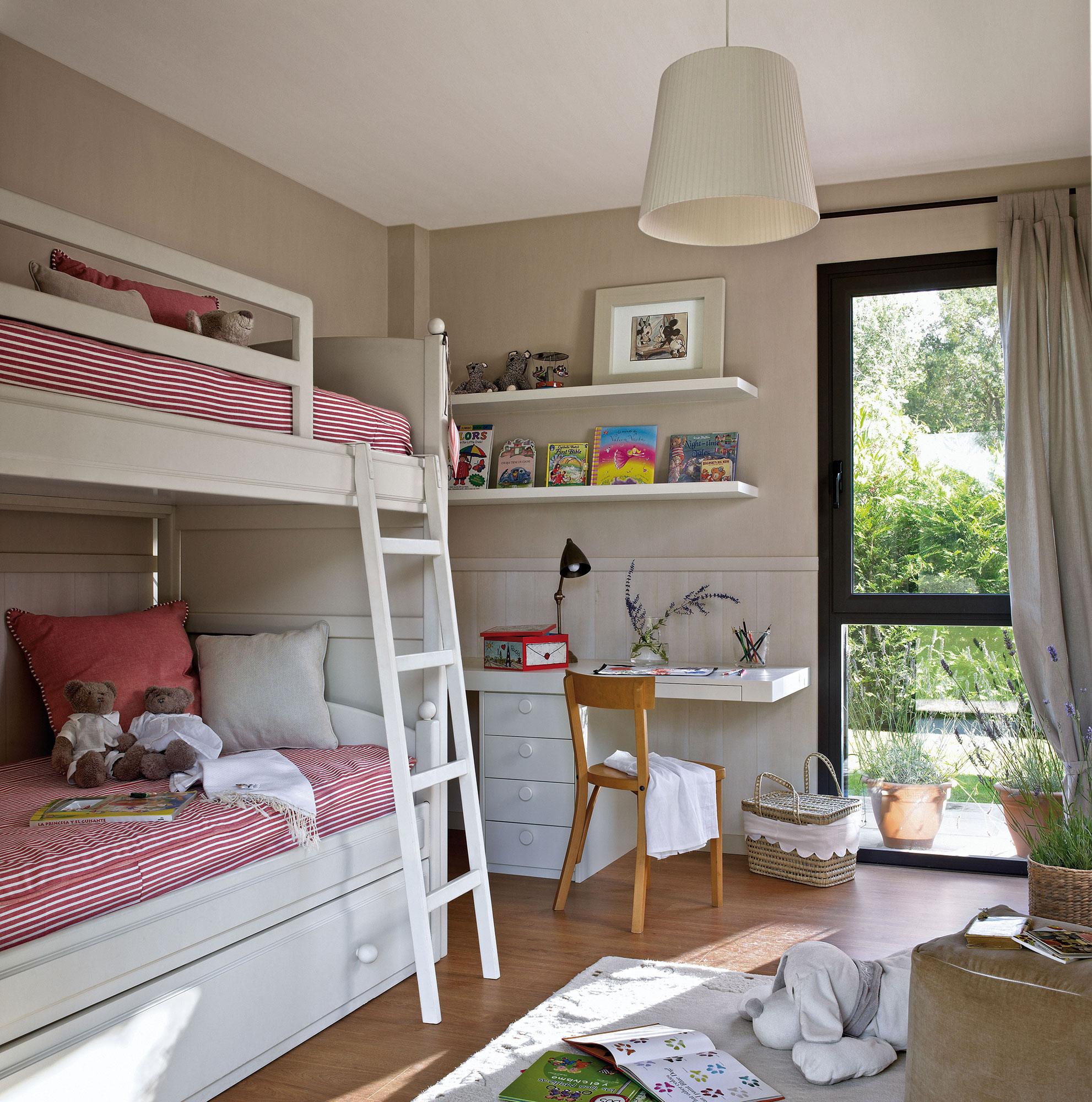 30 habitaciones para m s de dos ni os con buenas ideas - Habitaciones pequenas para ninas ...