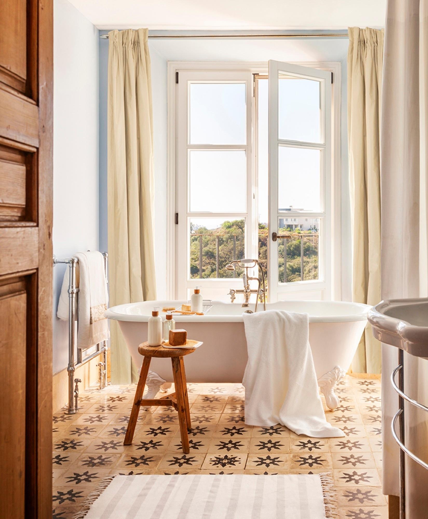 Un cortijo moderno en marbella for Toallas bano zara home