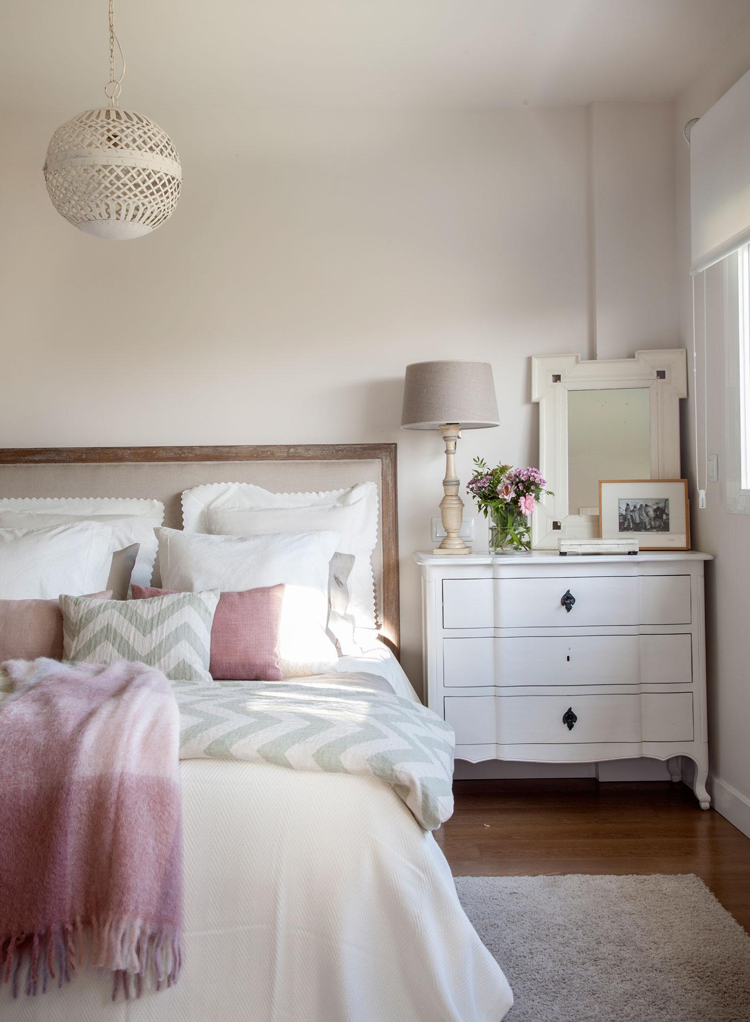 Las 50 mejores mesitas de noche de el mueble - Decoracion de dormitorios clasicos ...