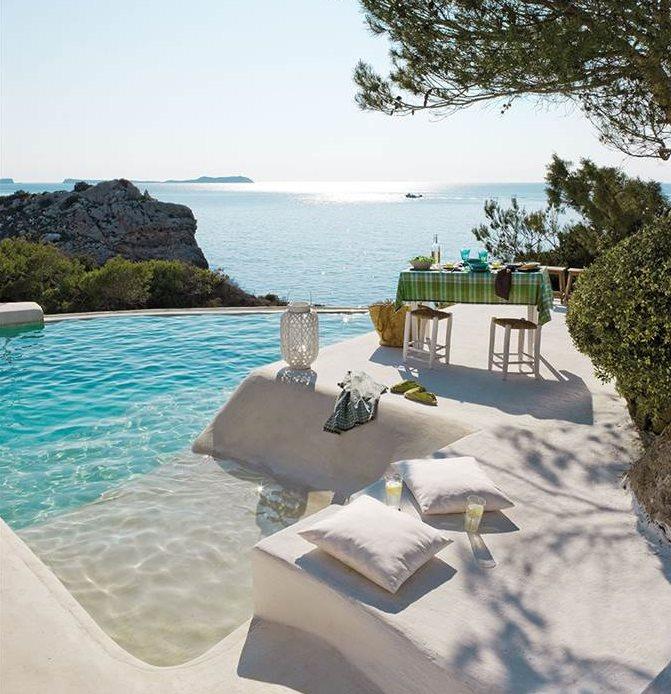 Las mejores piscinas para desconectar este verano for Piscinas alargadas