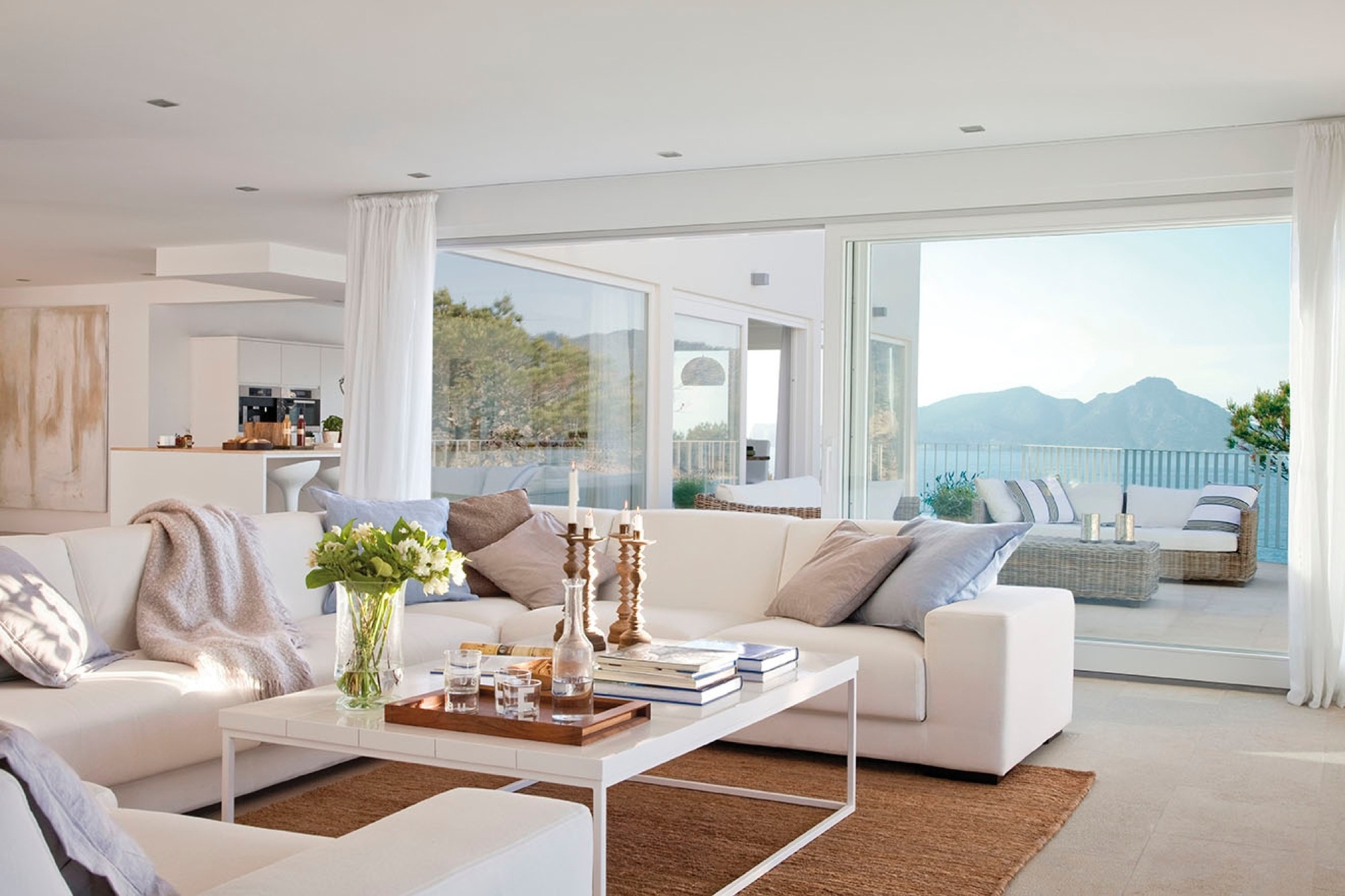14 salones con vistas al mar - Salon en blanco ...