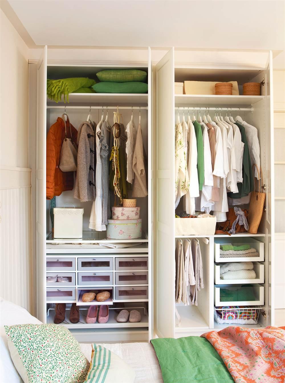 Consejos para tener el primer piso de pareja ideal for Armarios roperos para habitaciones pequenas