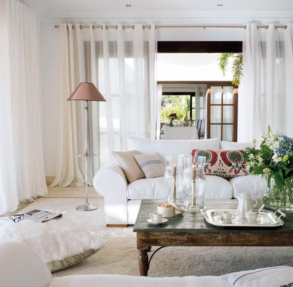 Qu color sienta mejor a tu casa for Cortinas en blanco