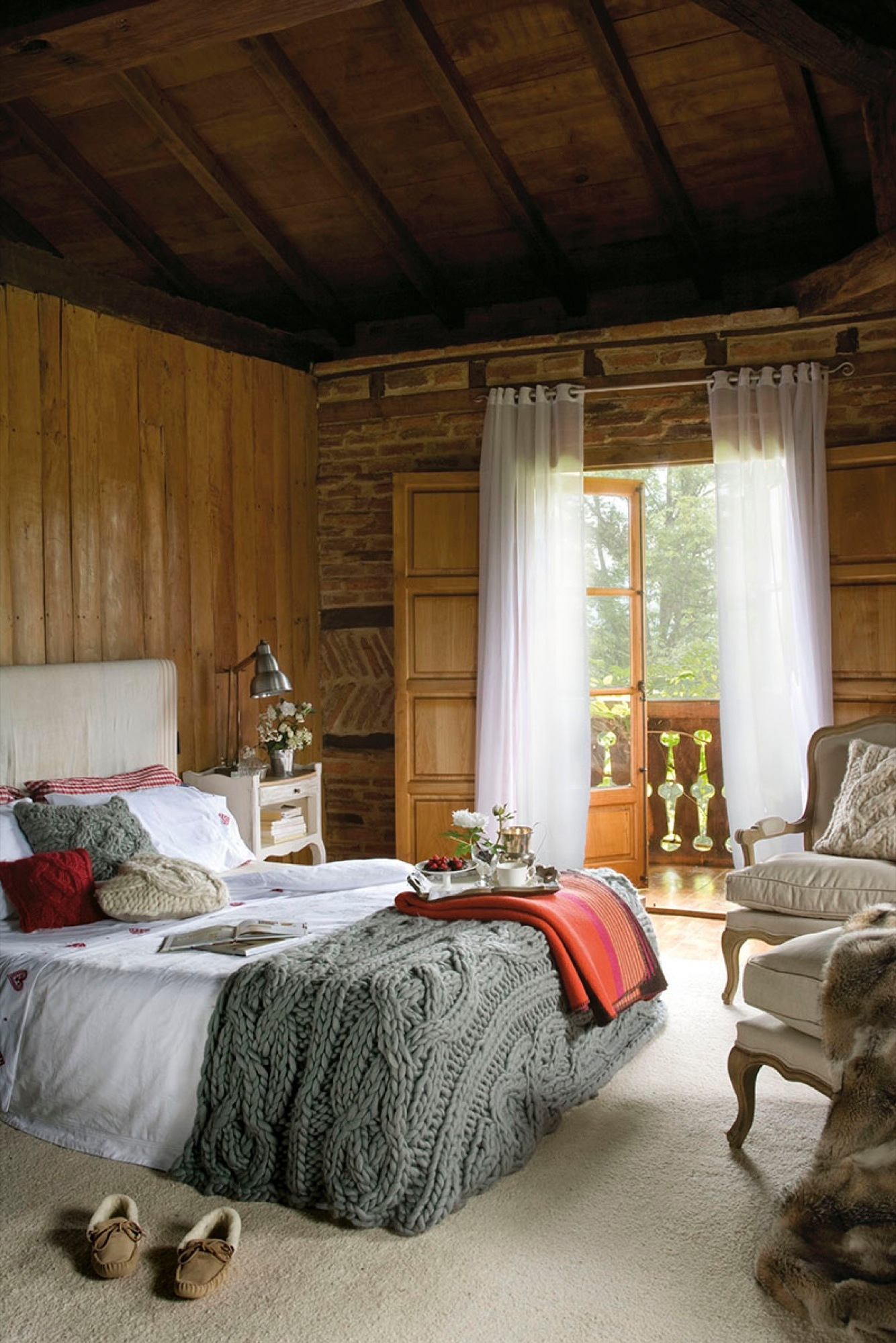 20 dormitorios r sticos con mucho encanto for Catalogos de decoracion de interiores