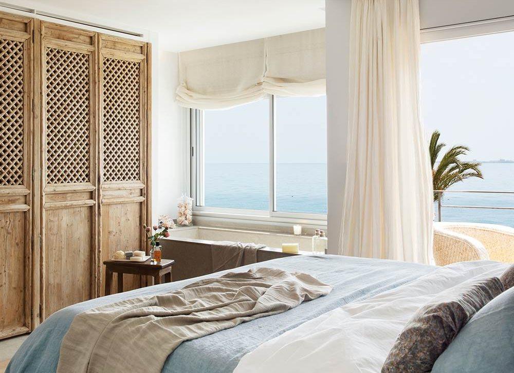 Una casa d plex con vistas al mar para un verano inolvidable for Baneras vistas
