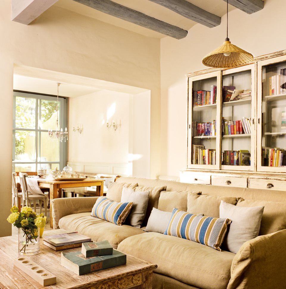 Casa de pescadores peque a renovada con estilo - Interiores de salones ...