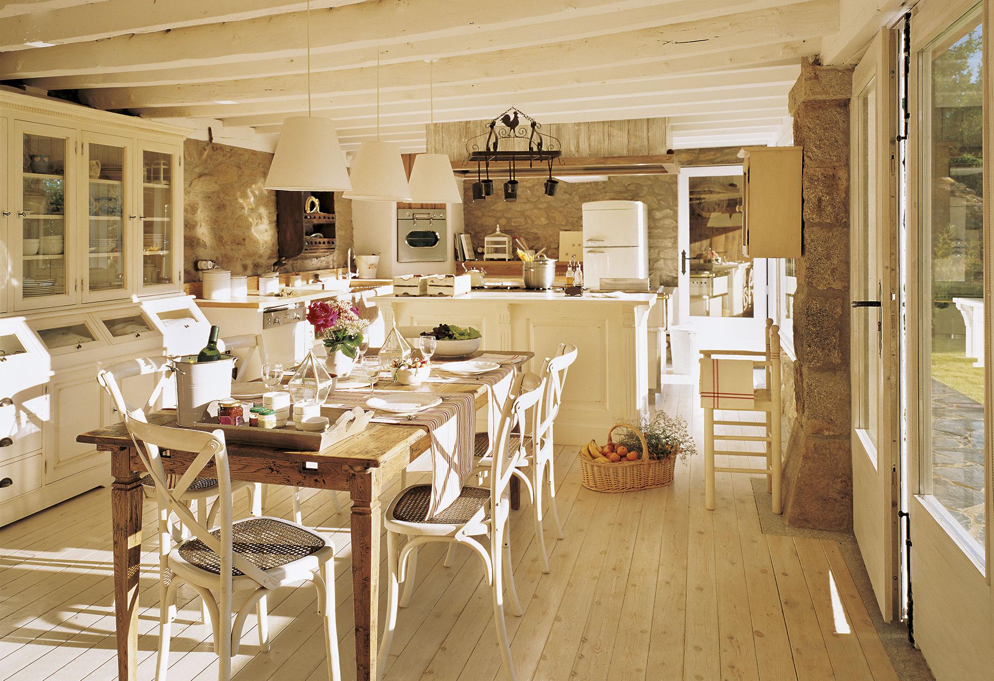 17 offices muy pr cticas para el d a a d a - Cocinas con office fotos ...