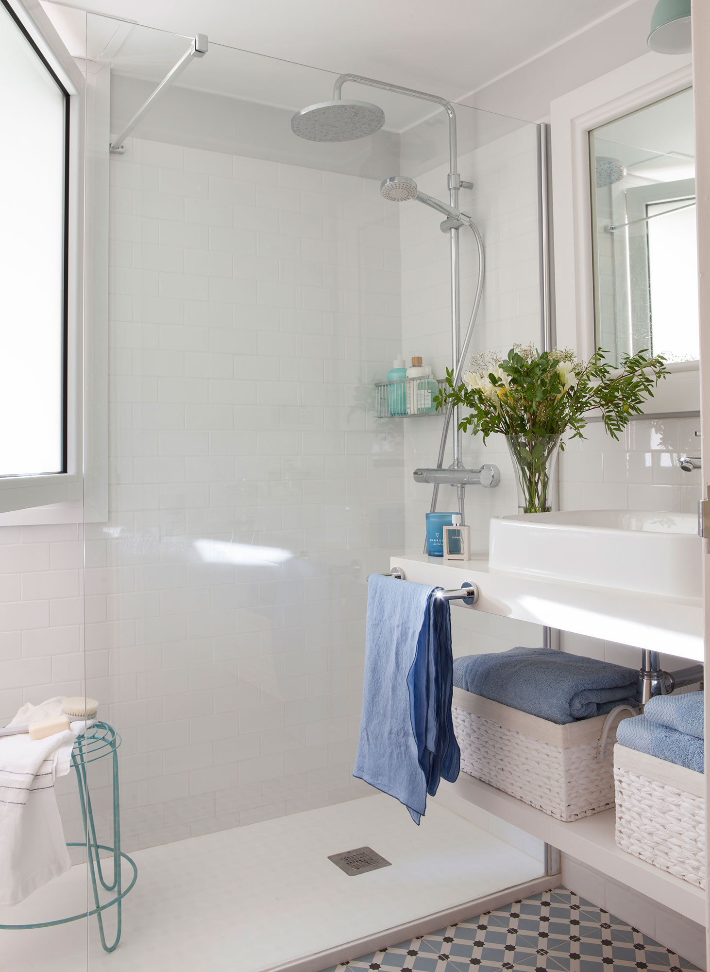 Ideas para ba os peque os for Fotos de cuartos de bano pequenos