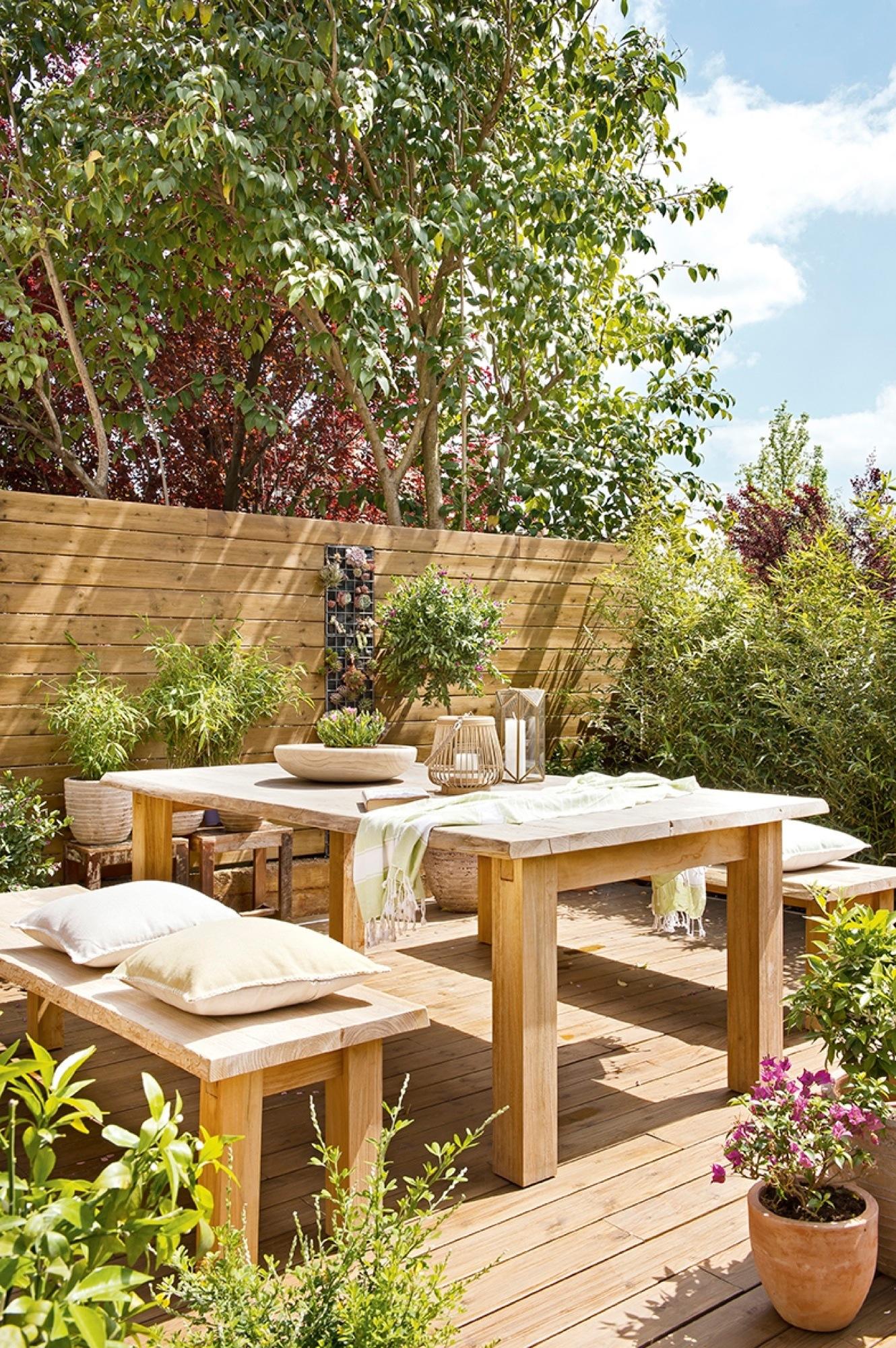 Muebles terraza madera sofs hechos con palets para jardn for Muebles para terraza en madera