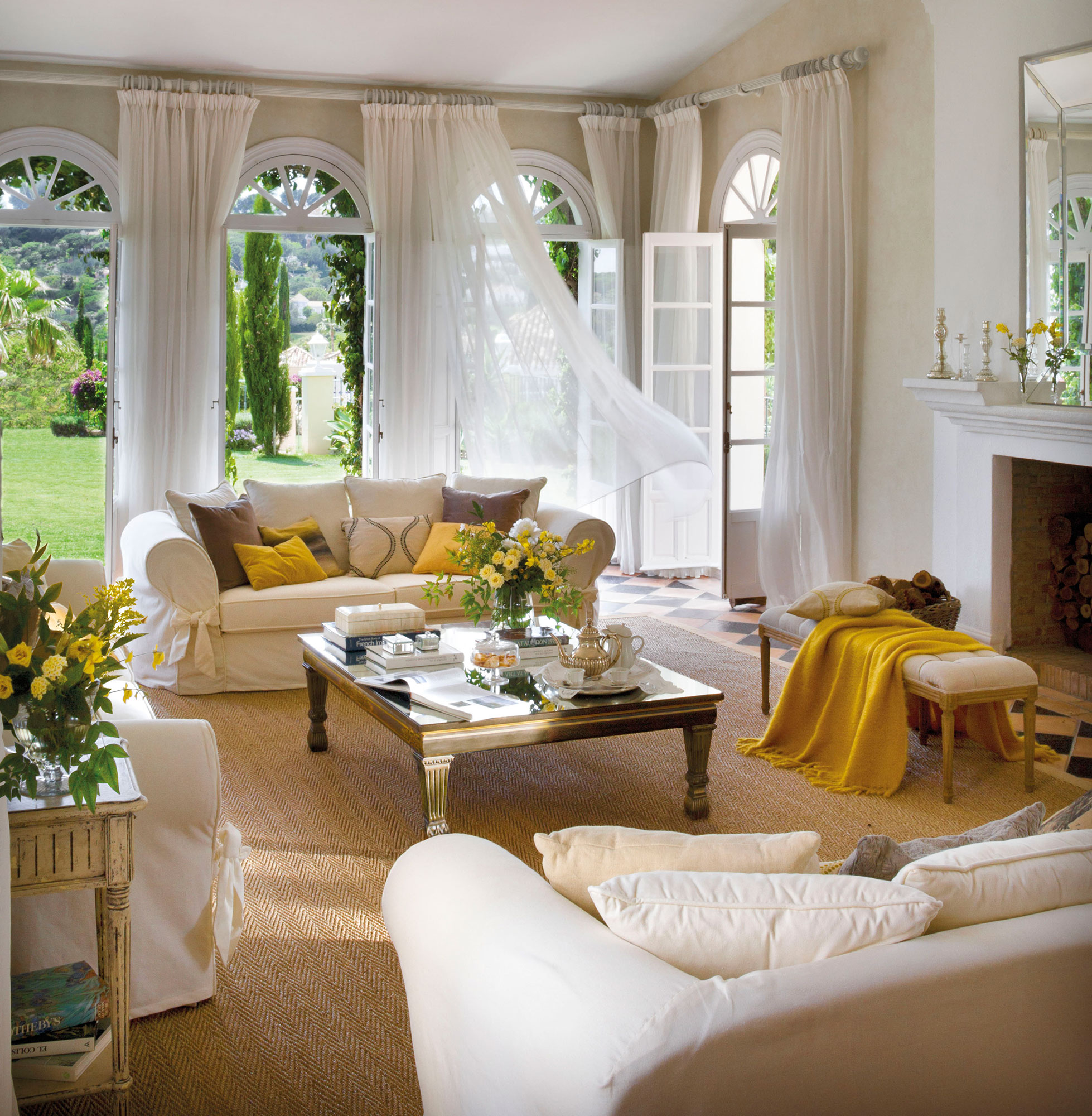 Pon tu casa de revista con los trucos de nuestras estilistas for Casa y jardin revista decoracion