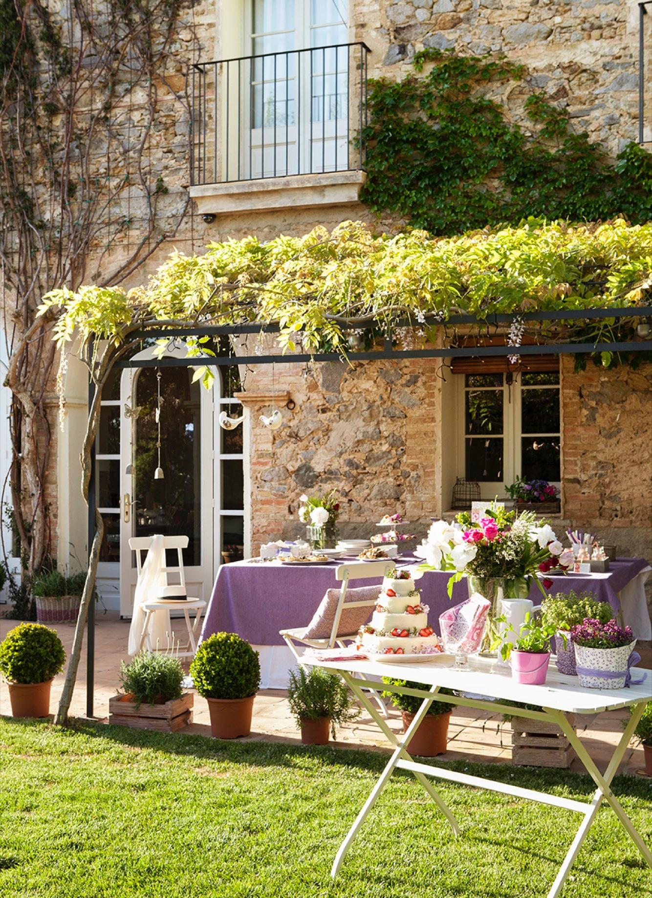 Estos jardines tienen ganas de fiesta for Terrazas rurales