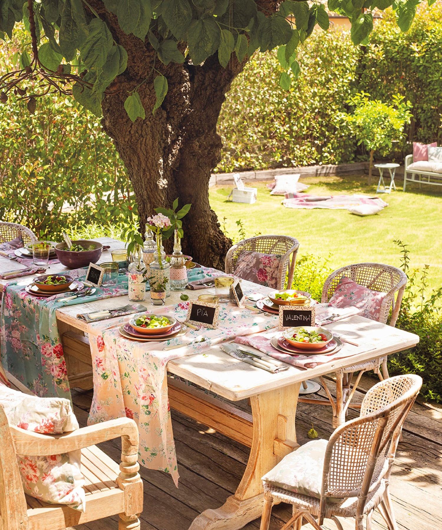 Estos jardines tienen ganas de fiesta for Flores de jardin exterior