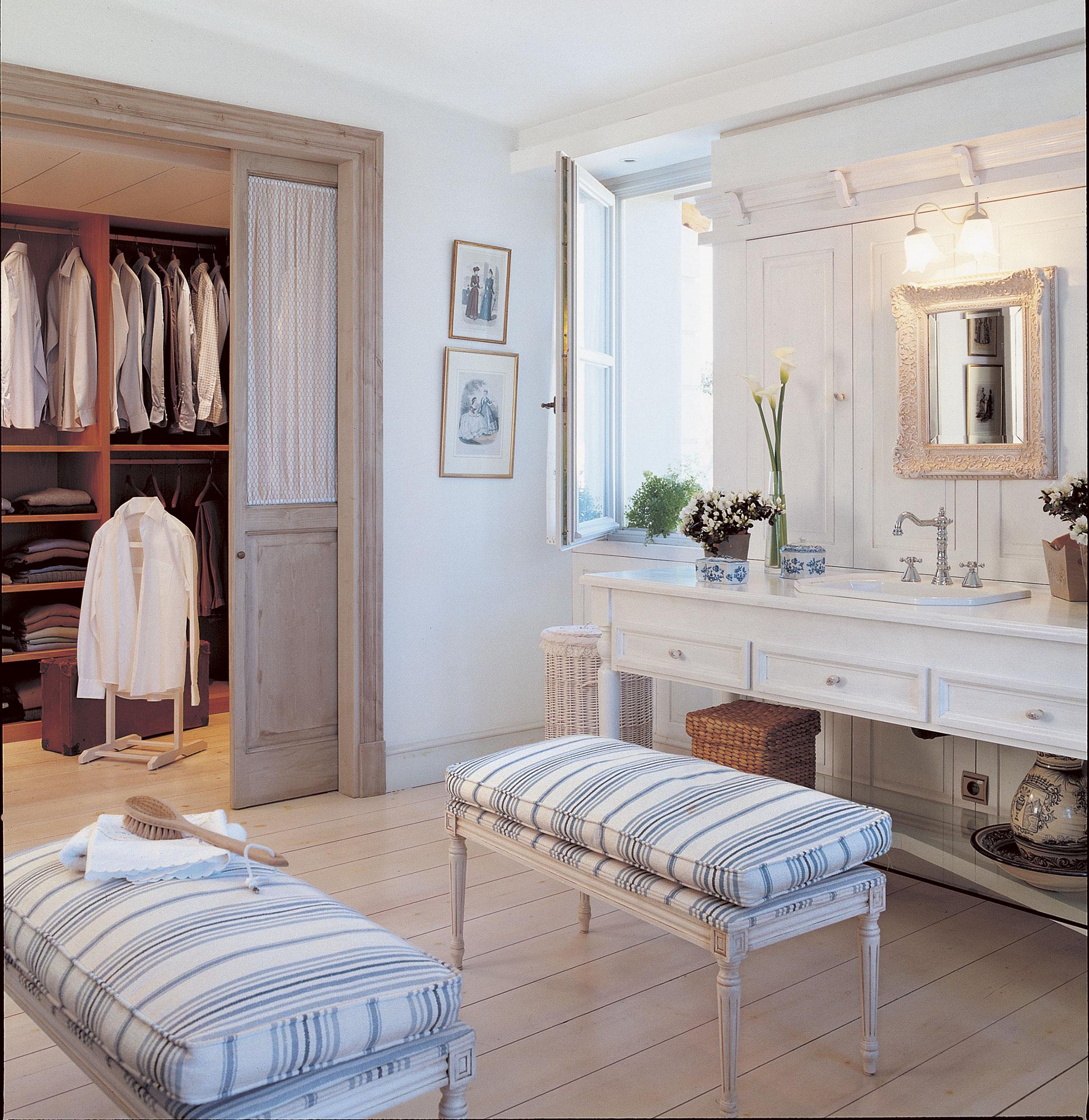 Instala una puerta corredera en casa y gana 1 5 m2 reales - Puerta corredera bano ...