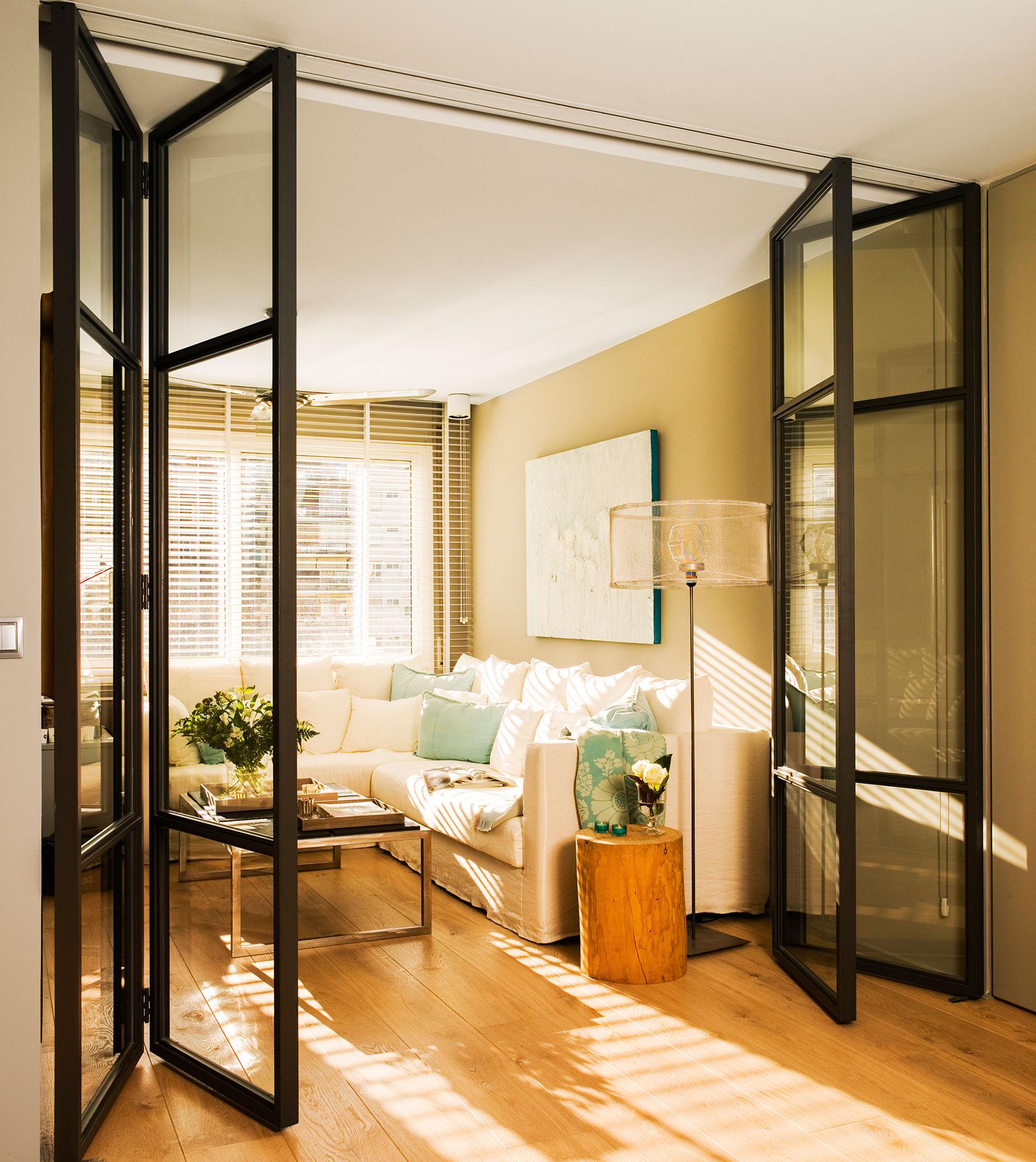 Instala una puerta corredera en casa y gana 1 5 m2 reales for Suelos para casas antiguas