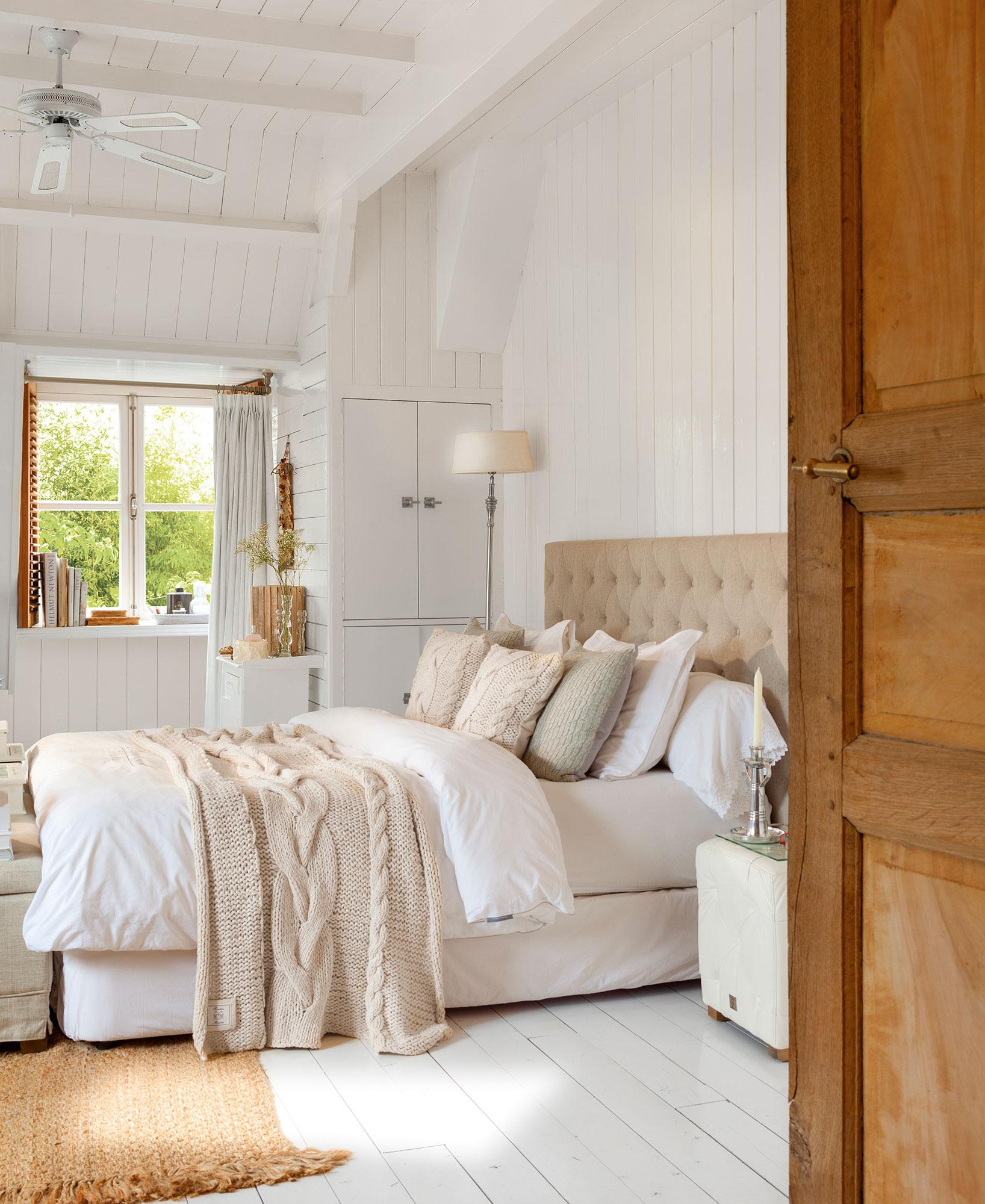 16 trucos para decorar tu dormitorio y dormir mejor - Orientacion cama dormir bien ...