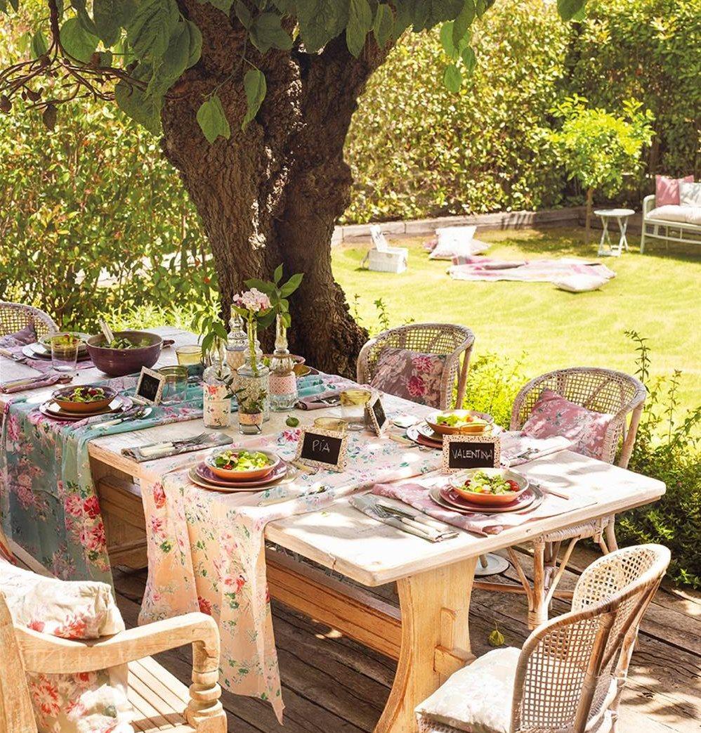 Estos jardines tienen ganas de fiesta for Comedor para jardin