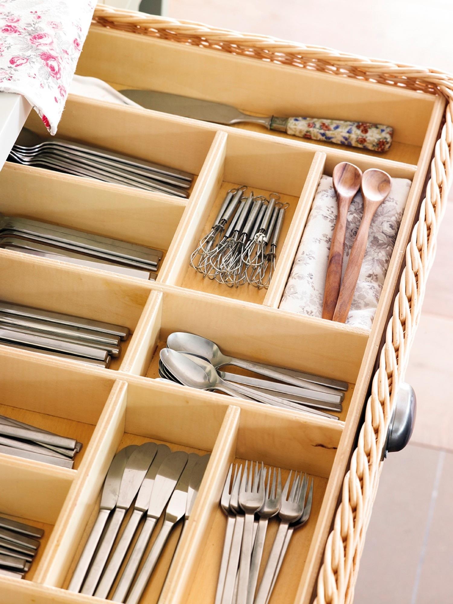 Orden en la cocina consejos y trucos para guardarlo todo for Cucharones de cocina