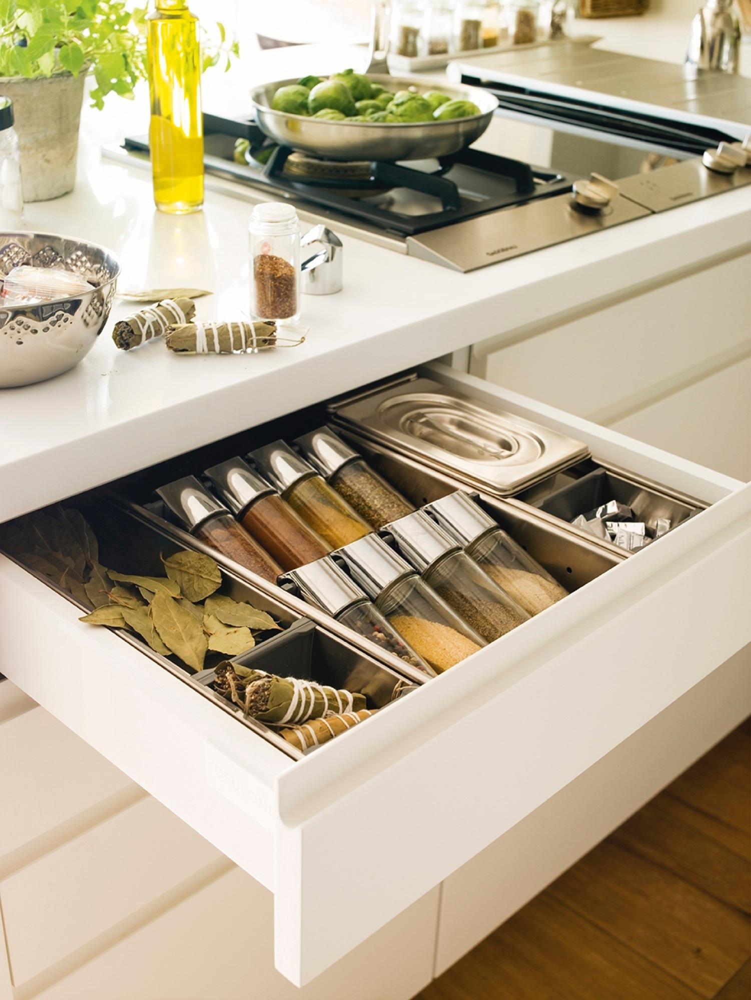 Orden en la cocina consejos y trucos para guardarlo todo - Botes almacenaje cocina ...