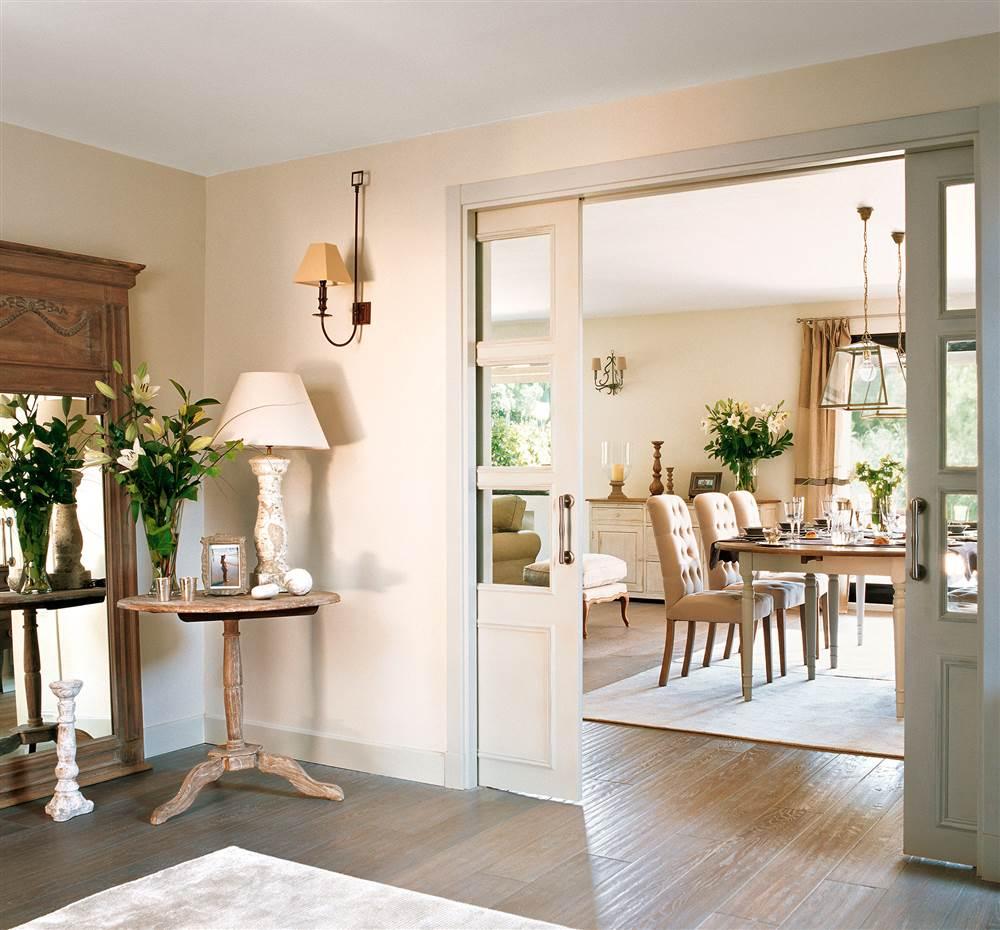 Instala una puerta corredera en casa y gana 1 5 m2 reales - Como cambiar las puertas de casa ...