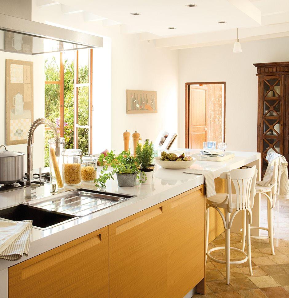 Ideas para redise ar tu cocina for Cocinas con barra de desayuno