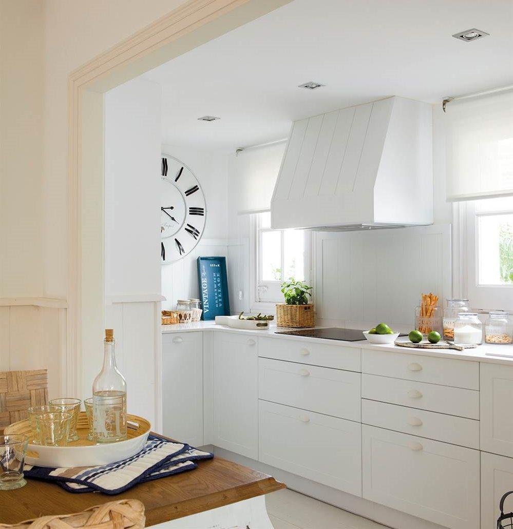 Gana metros 30 trucos para pisos mini - Cocinas para pisos pequenos ...