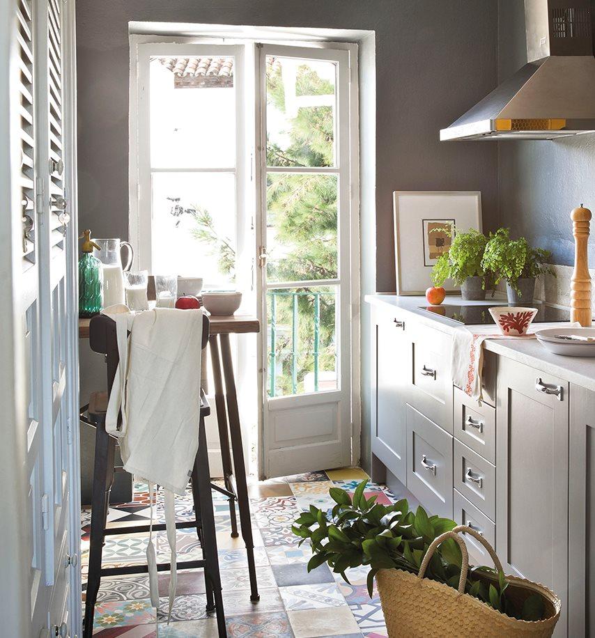 Paredes cocinas trendy cocinas rsticas que nos encantan y for Paredes con azulejo
