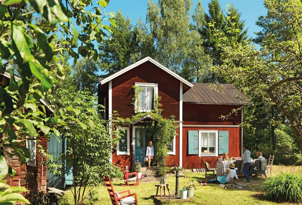 La casa de verano en suecia de lorenzo meazza de ikea for Colores para fachadas de casas 2016