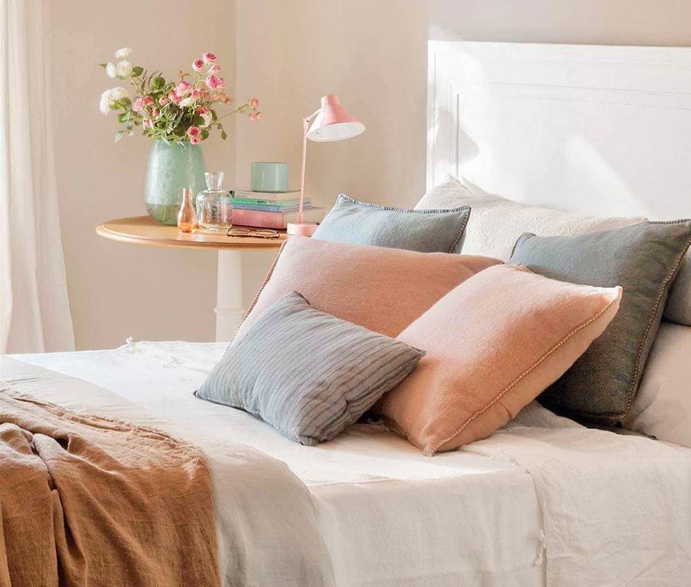 Un dormitorio con cinco estilos diferentes cu l te gusta - Cojines grandes para cama ...
