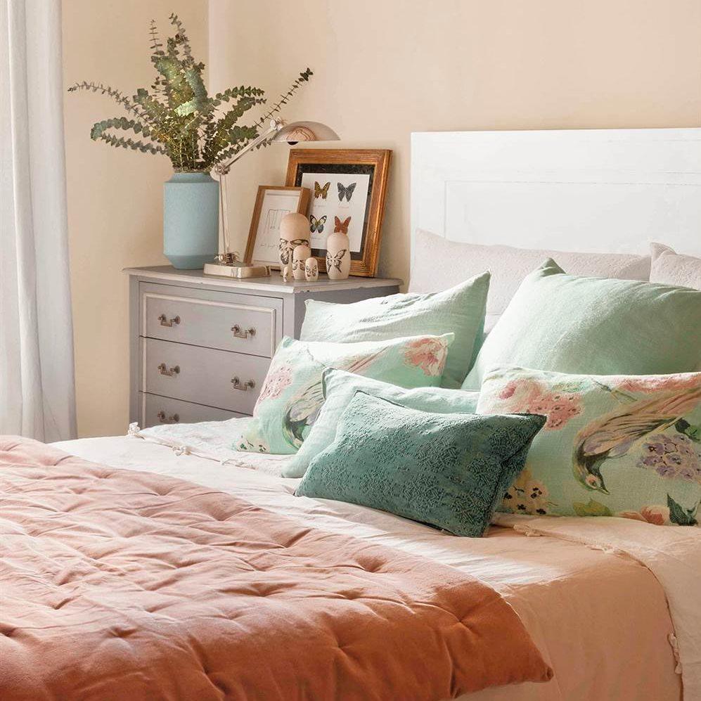 Un dormitorio con cinco estilos diferentes cu l te gusta - Cojines para cama matrimonio ...