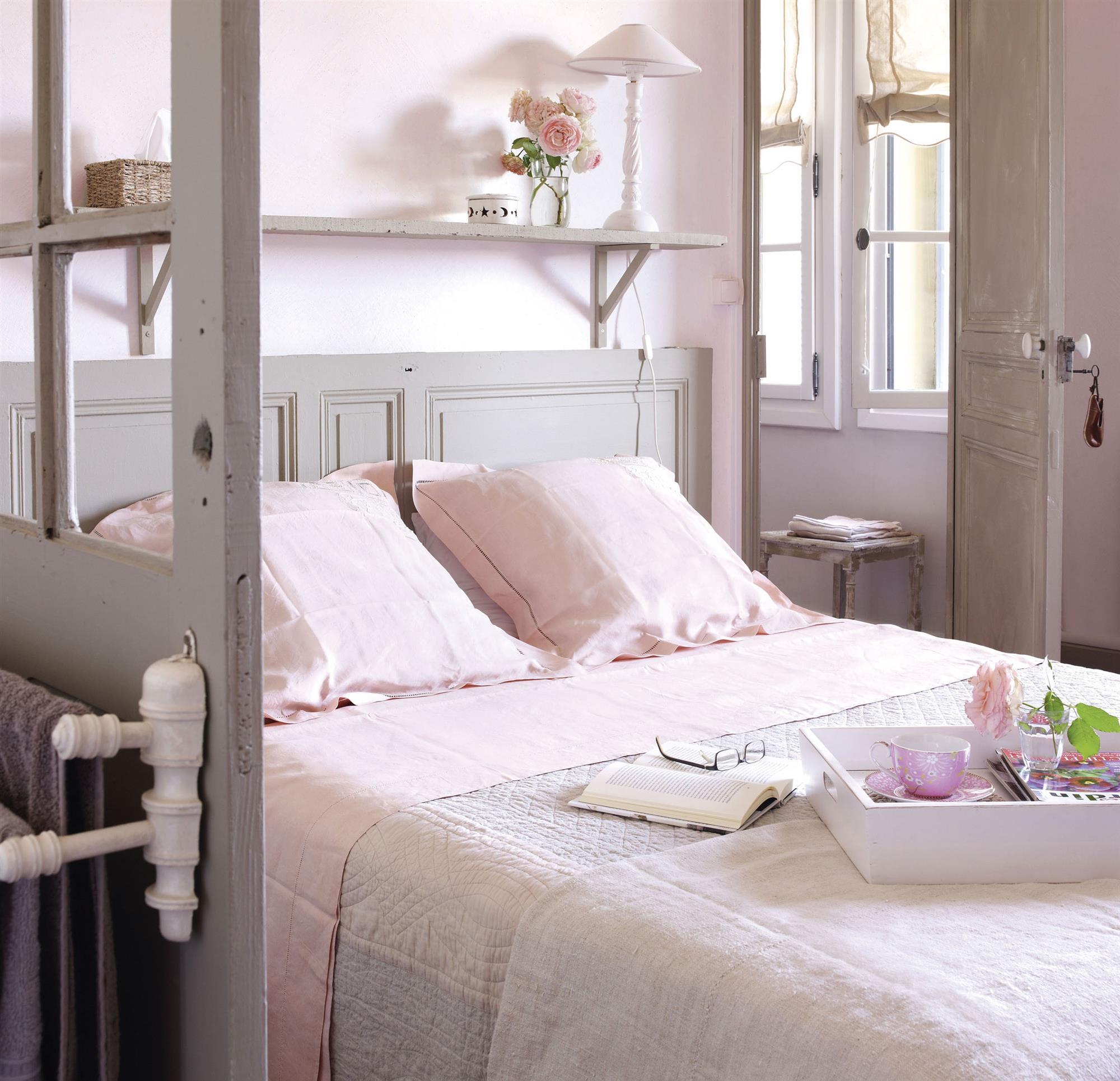 Tendencias de decoraci n en color rosa for Dormitorios pintados en gris
