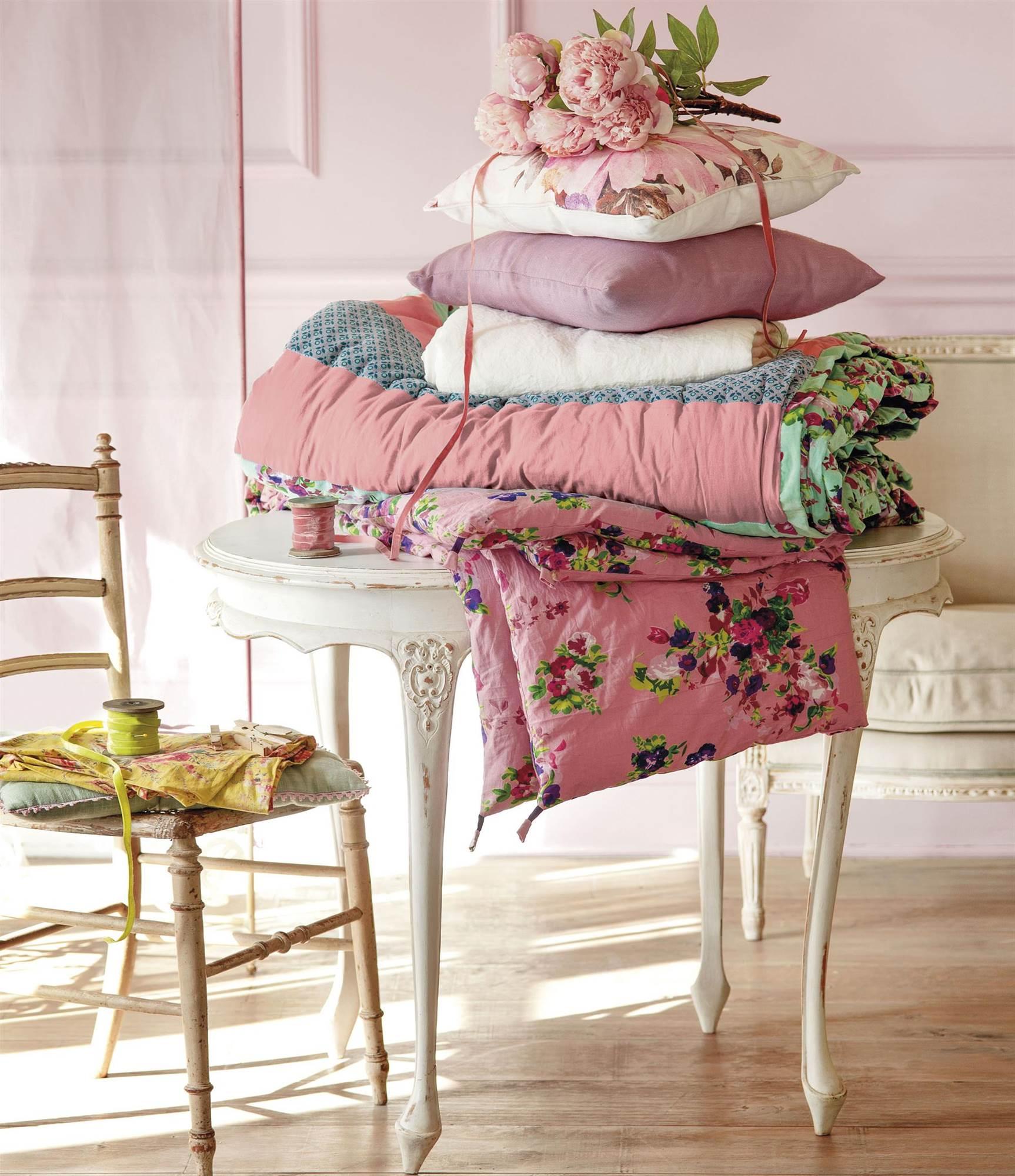 Dormitorios Con Acentos En Morado P�rpura Y Lila: Tendencias De Decoración En Color Rosa