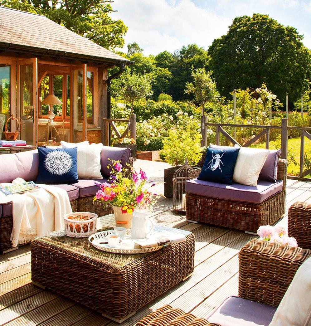 Muebles para casas de campo los muebles para la calle en for Muebles de terraza madera