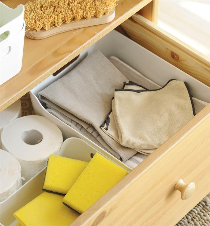 Utensilios limpieza ba o for Lista utensilios para bano