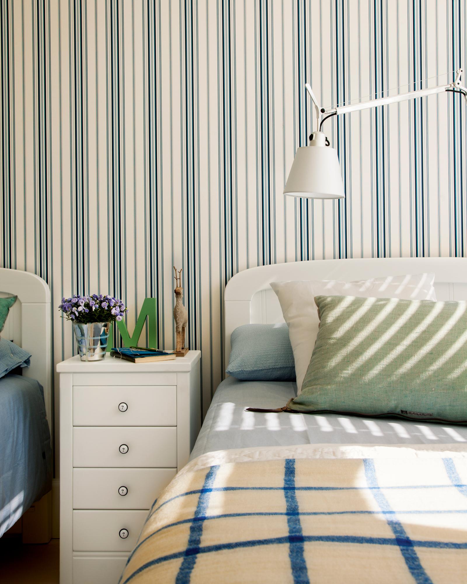 Que pase el color pero esta vez la brocha se queda fuera - Dormitorios pintados a rayas ...